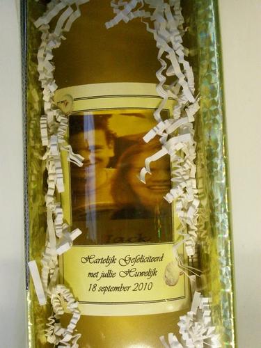 Vensterfles Witte wijn met doorkijkvenster