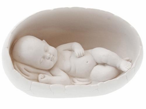 Beeldje Baby in ei met licht