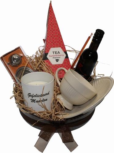Thee en Wijn cadeaupakketje met uw Felicitatie